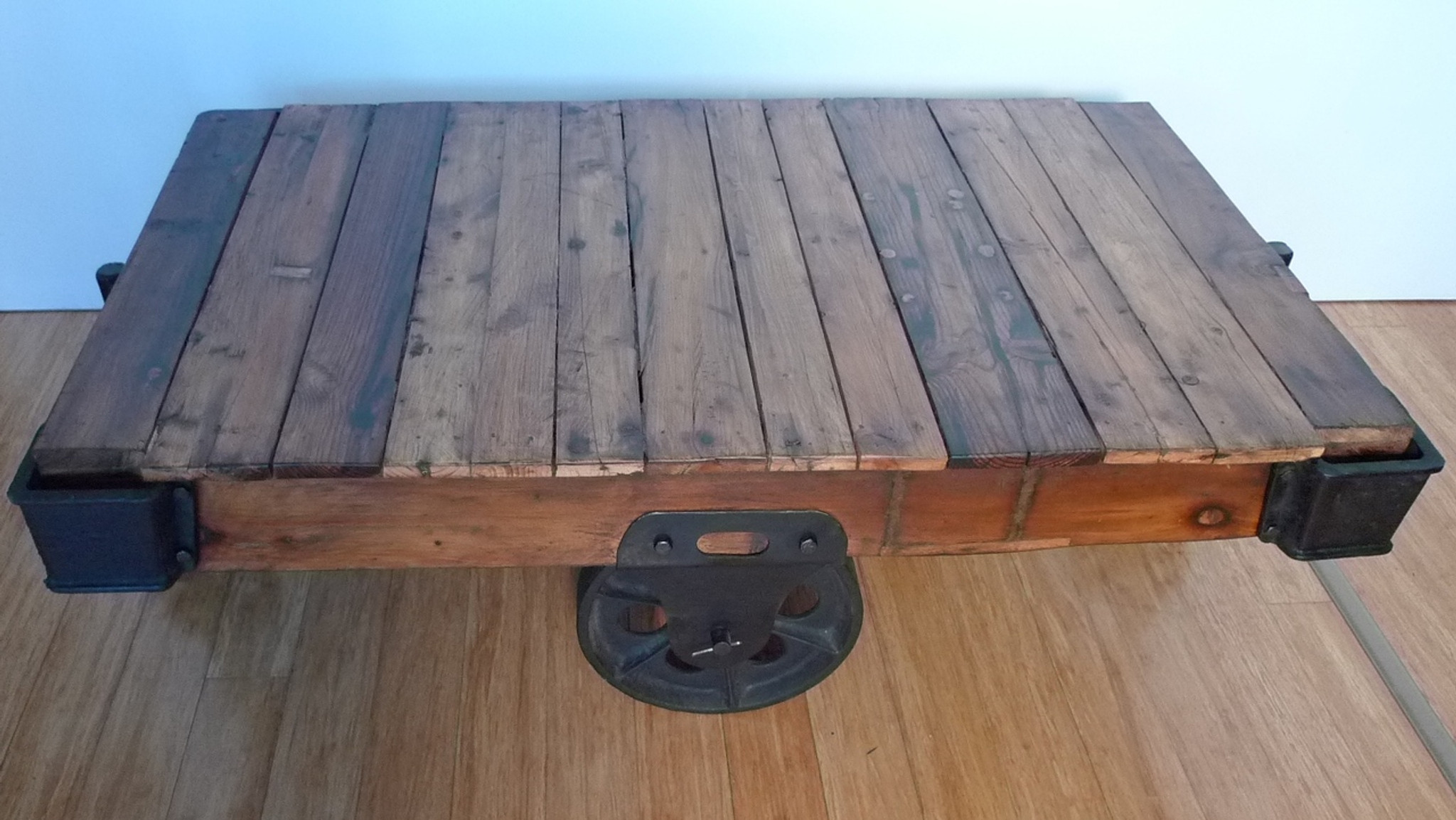 FANTASTIC INDUSTRIAL STYLE CAST IRON   TIMBER CART COFFEE TABLE. FANTASTIC VINTAGE BRISBANE INDUSTRIAL STYLE CAST IRON   TIMBER