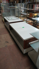 White IZOD display table