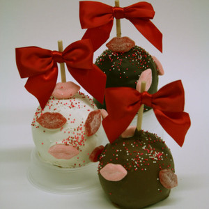 """Smooches"" caramel apple (your choice of chocolate with gummy kisses and sprinkles) perfect for Valentine's Day!"