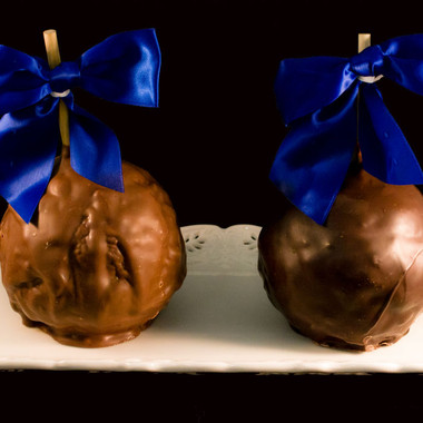 Death By Chocolate Caramel Apple from DeBrito Chocolate Factory