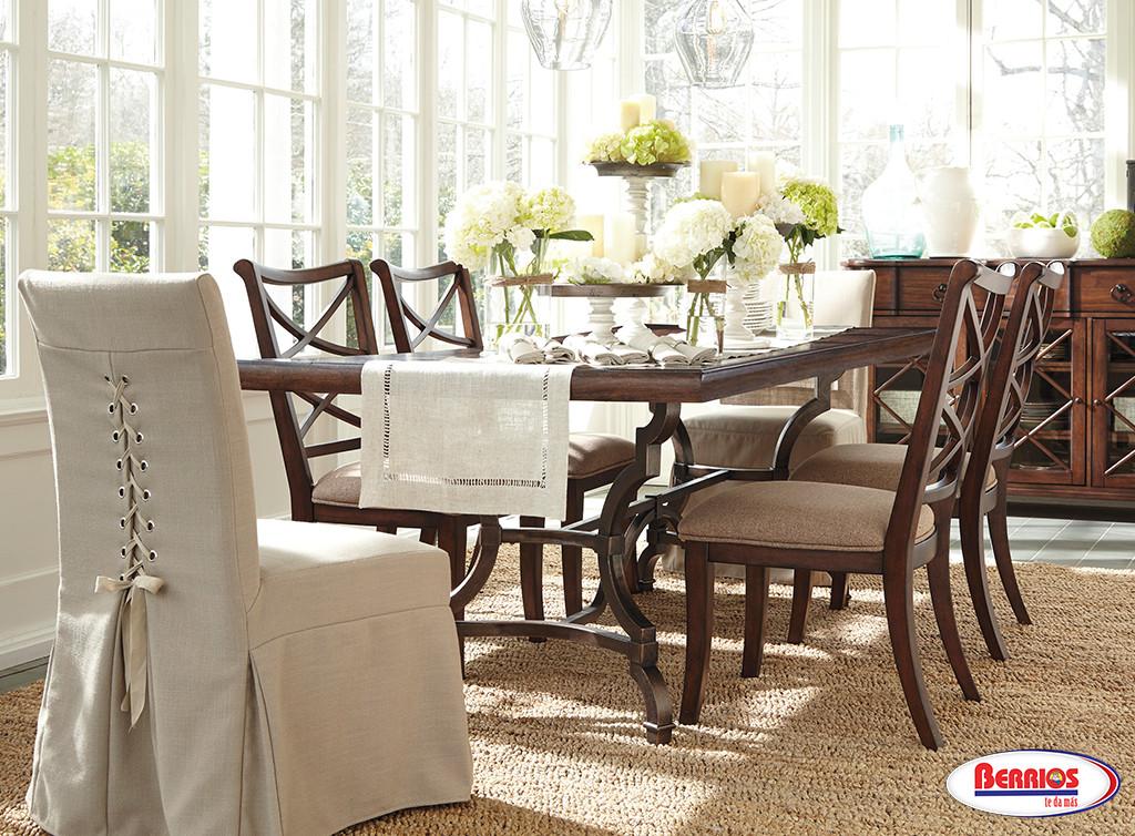 D713 Hadelyn Dining Room Set