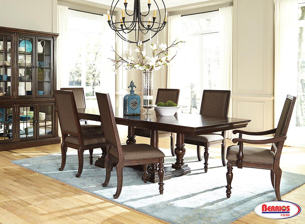 D701 roddinton dining room set berrios te da m s for Dscan dining room set
