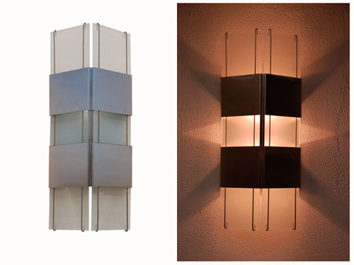 Our ever popular wall sconce with a beautiful display of light projecting from the sides, top and bottom.  Available for customization to your specific needs and desires.  Just contact us at 866 458-5406 or wallsconces@gmail.com