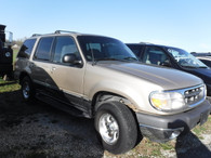 2000 Ford Explorer XLT  Great Roomy Loaded SUV !!!