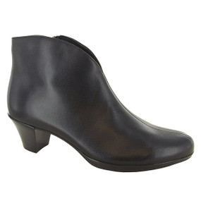 Women's Robyn - Black Leather