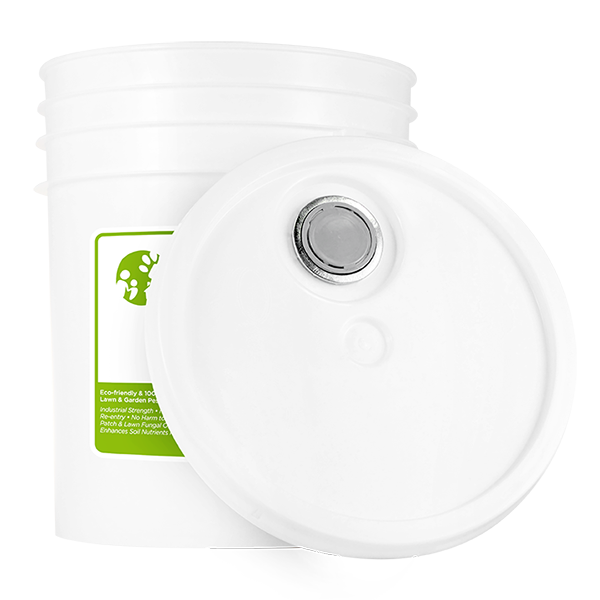 OUTDOOR | Natural Pest Control Concentrate | Kills & Repels 100s of Pests | 5 Gallon - Lid Off