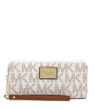 MICHAEL Michael Kors Jet Set Travel Logo Continental Wallet (Vanilla)