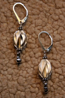 Thai Feuille ovals drop earrings