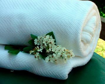 Queen White Chevron Cotton Blanket 019