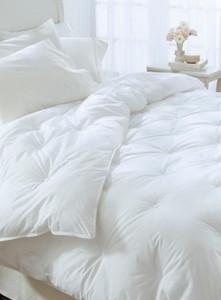 Full / Queen Restful Nights® Ultima Supreme Comforter