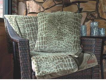 Journey Alligator Print Faux Fur Throw