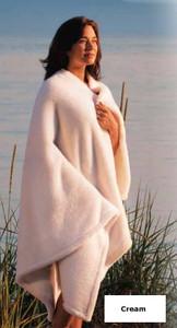 Kanata Polar Throw Blanket