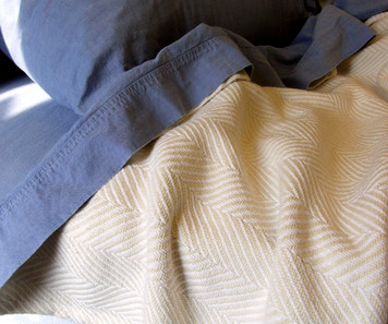 White and Natural Cotton Chevron King Blanket
