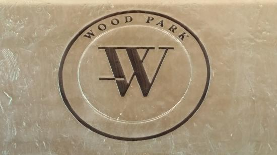 woodpark-wines-logo.jpg