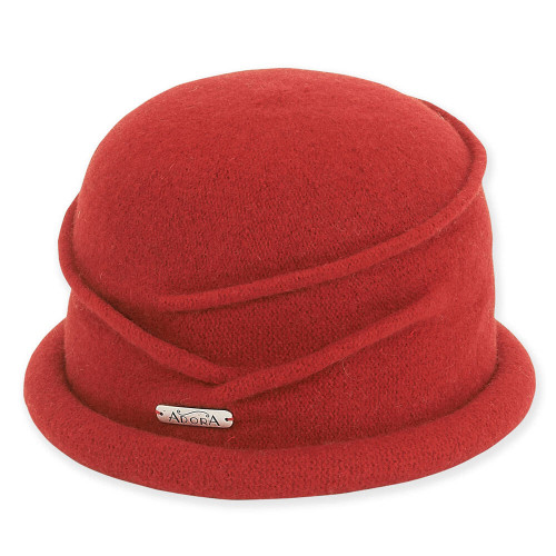 Soft Wool Cloche I Red