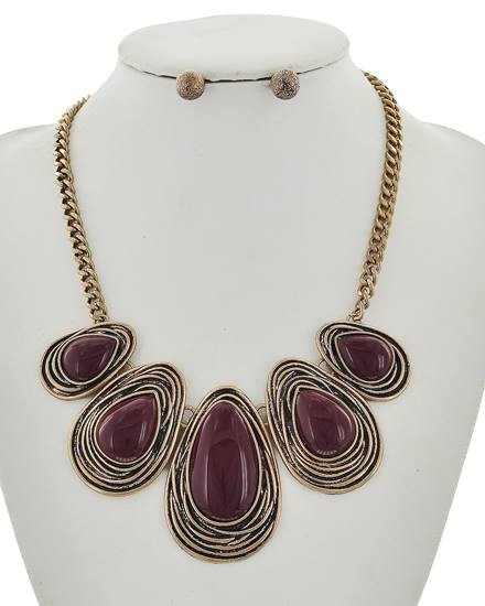 """resell for 65.00 or more Burnished Gold Tone / Burgundy Acrylic / Lead Compliant / Metal / Post (earrings) / Graduating / Necklace & Earring Set Style #RGBS100917g •   LENGTH : 17 3/4"""" + EXT •   EARRING : 3/8"""" •   DROP : 2 1/4""""  •   ROSE GOLD/BURGUNDY"""