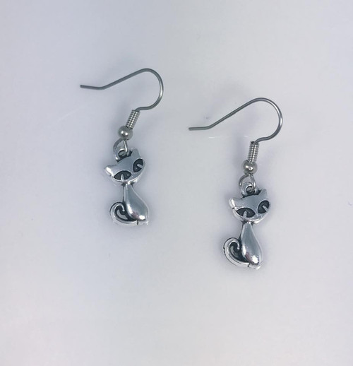 Resell for 5.00 or more Pewter kitty Surgical steel earwires Style #KCE101417g