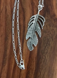 Resell for 8.00 or more 30 inch silver tone chain Pewter feather 2 6/8 inch x 1 inch  Great layering piece Style #LBCFN020118g