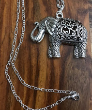 Resell for 15.00 or more Pewter elephant 2 3/8 x 1 7/8 inch 31 inch silver tone figaro chain. Boho chic Style #BHELN022218g