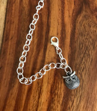 Resell for 9.00 or more Pewter owl charm 7.5 inch silver tone bauble charm bracelet Style #OCB022618g