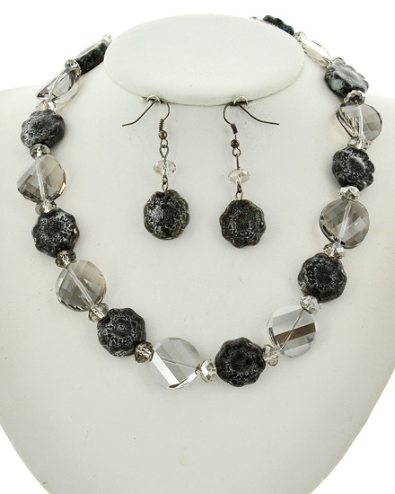 """resell for 27.00 or more Hematite Tone / Black Diamond Glass & Grey Ceramic / Lead&nickel Compliant / Fish Hook (earrings) / Flower / Necklace & Earring Set / •   LENGTH : 16 1/2"""" + EXT •   EARRING : 5/8"""" X 2"""" •   DROP : 3/4""""  •   HEMATIES/GREY  Style #HBGGNS040218g"""