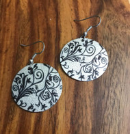 "Resell for 12.00 or more Alloy enamel disk Black silver vines  Light weight 1 1/8"" dia Style #LLBSVE041318"
