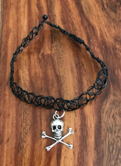 Resell for 9.00 or more Plastic stretch choker black Pewter skull Style #SCSN041318