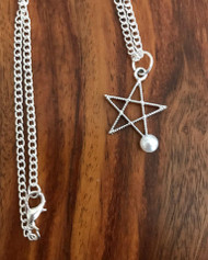 Resell for 9.00 or more  18 inch silver tone chain Pewter star w faux pearl 1 1/8 inch Style #SPN042018