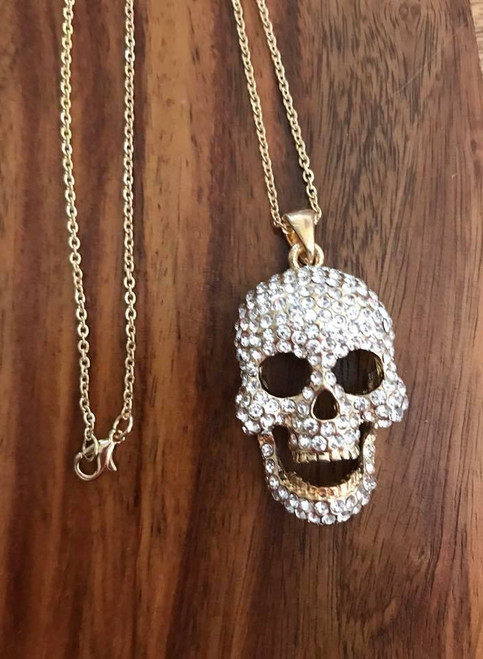 """Resell for 18.00 or more 18 inch gold tone chain Gold tone w crystal / moveable jaw Skull pendant 1 x 1.5"""" Style #GTCSN071118"""