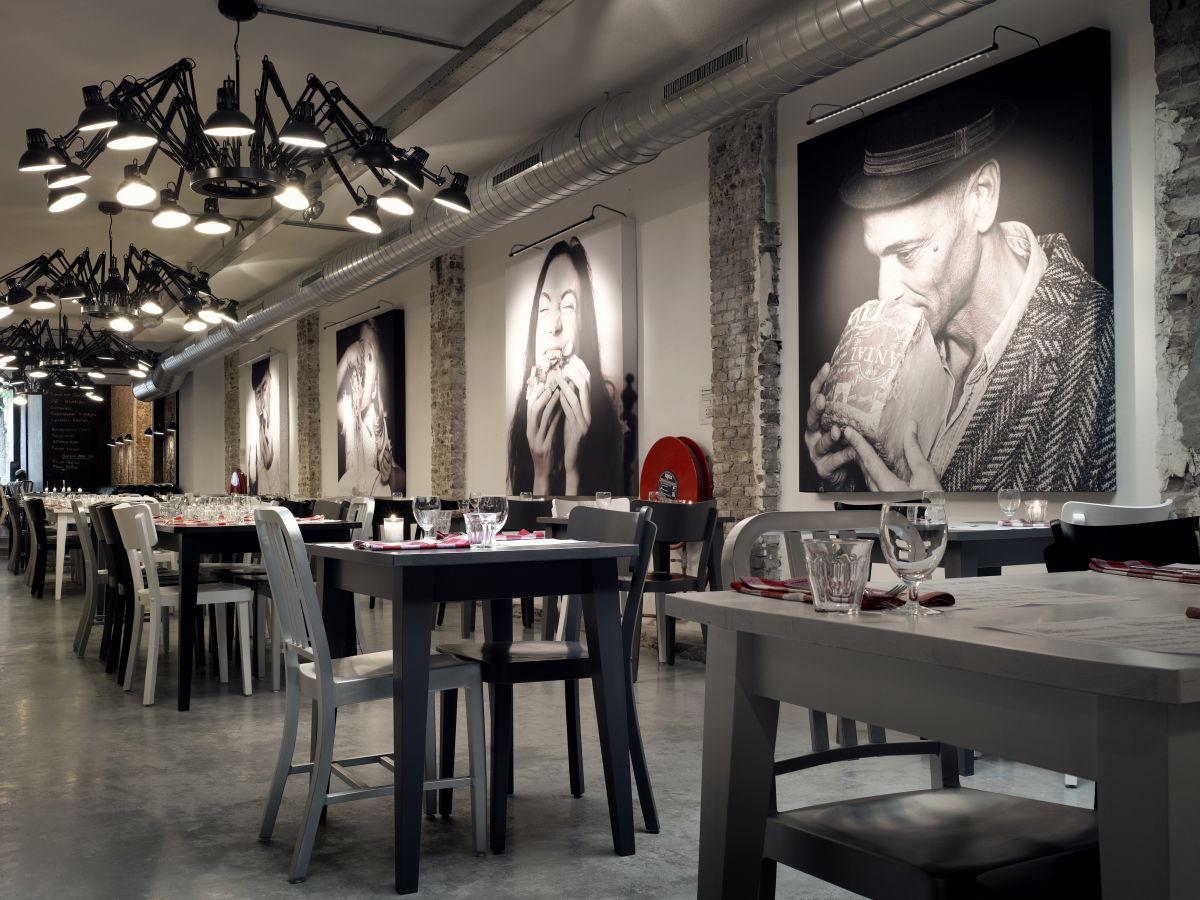 Paris_Cafe_Dusk Grand Cafe Outdoor Kitchen