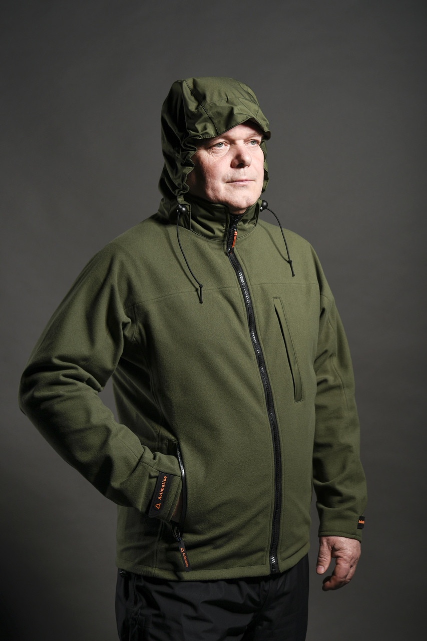 Full image showing hood