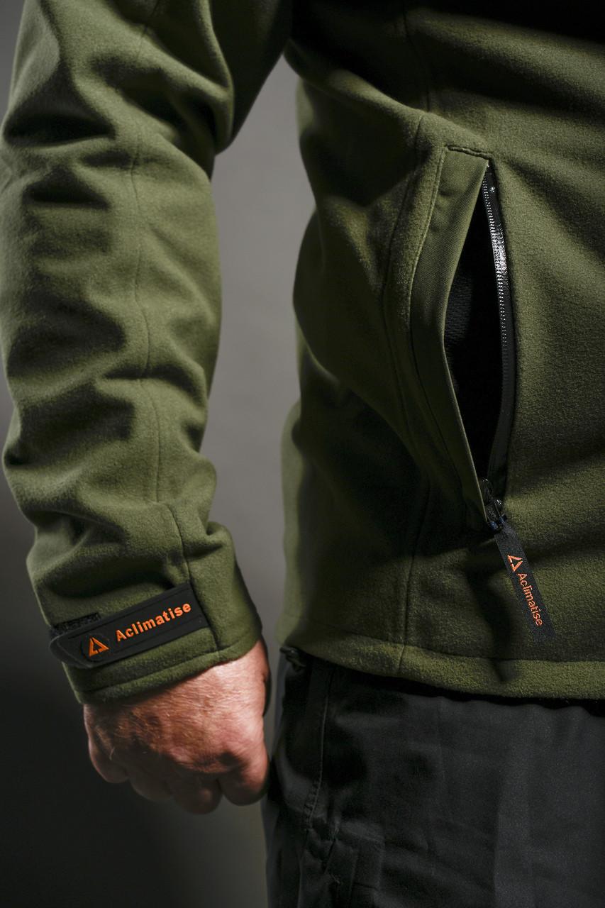 Storm flap over hip pocket