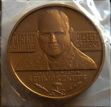 UNITED STATES GENERAL H. NORMAN SCHWARZKOPF 3'' AND 1 1/2'' BRONZE MEDAL