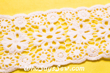 6.5cm Wide Vintage Feel Embroidered Cotton Lace Trim By The Metre in Snow& Natural White. C049