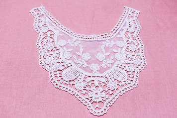 Medium Cotton Lace Collar/Yoke in Snow& Natural White (0518)