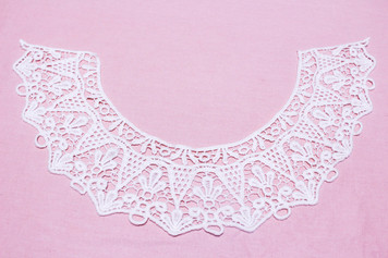 Large Cotton Lace Collar/Yoke in Snow& Natural White (0336)