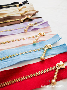 Light Gold Metal Closed-ended Zipper in 7 Colours in 15cm. Suitable for Bags