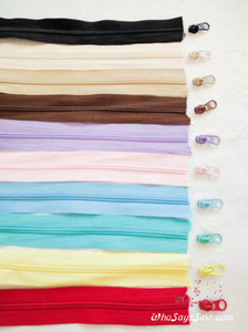 Continuous (By-the-Metre) Size 3 Nylon/Polyester Chain Zipper in 10 Colours. Perfect for bags& accessories