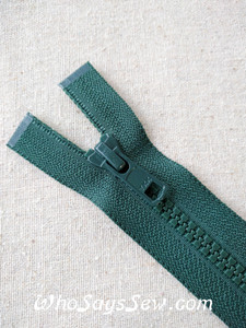 "YKK Size 5 Chunky Moulded Plastic Separating/Open Ended 75cm(30"") Zipper. Medium Weight for Jackets/Vests. Forest Green"