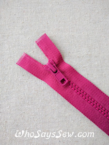 "YKK Size 5 Chunky Moulded Plastic Separating/Open Ended 75cm(30"") Zipper. Medium Weight for Jackets/Vests. MAGENTA"