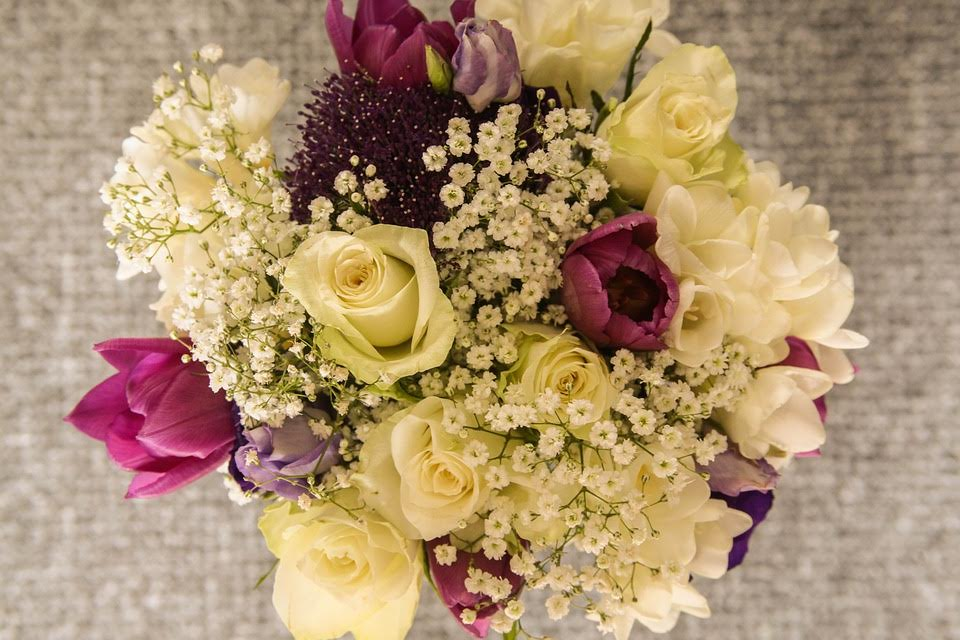 How to Make Your Bouquets and Arrangements Look Fuller - SWFlorist