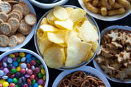 •Between 10 - 12 units of snacks from around the world •3 continents, 6 countries •Varied snacks for you to taste the globe