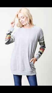 3636 Haci Sweater Tunic w/ Striped Sleeve