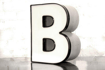 "VINTAGE CHANNEL LETTER ""B"" IN WHITE"
