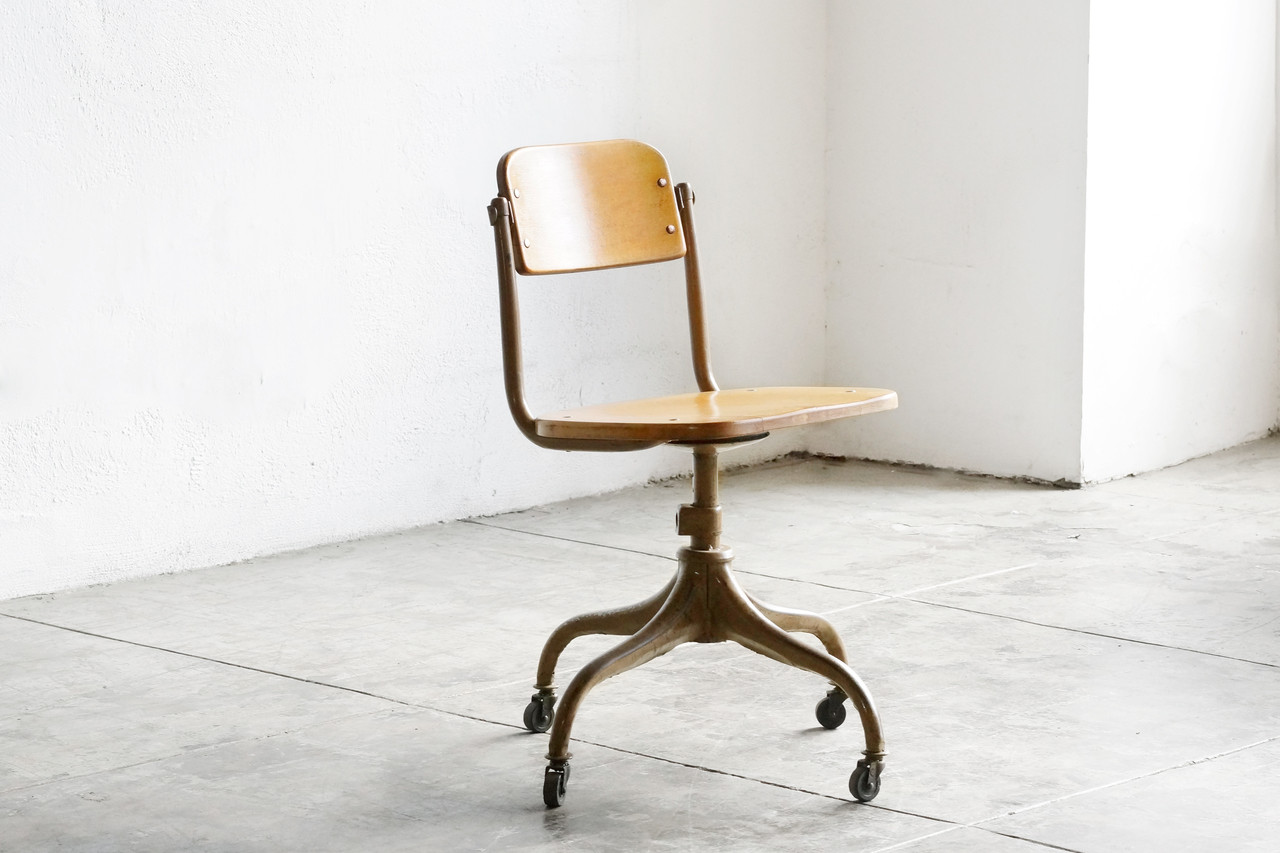 SOLD   Classic 1940s Wood And Steel Schoolhouse Chair