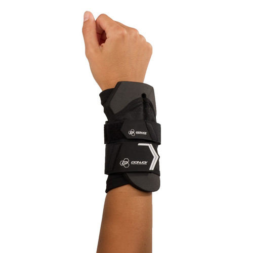 DonJoy Performance Anaform Wrist Wrap  provides mild support to keep the wrist stabilized.