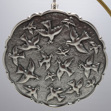 Buccellati Italy Annual Ornament 2003 - Doves of Peace
