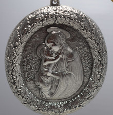 Buccellati Italy Annual Ornament 2009 - Madonna and Child