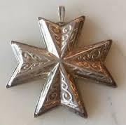 Reed & Barton Annual Cross Ornament 1977 - No Box