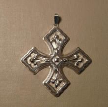 Reed & Barton Annual Cross Ornament 1981 - No Box